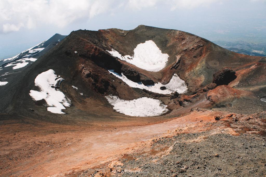 Algumas cratera ainda com neve.