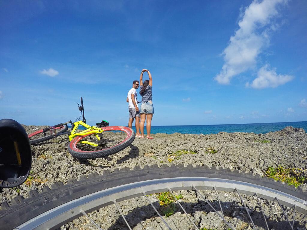 Passeio de bicicleta pela ilha