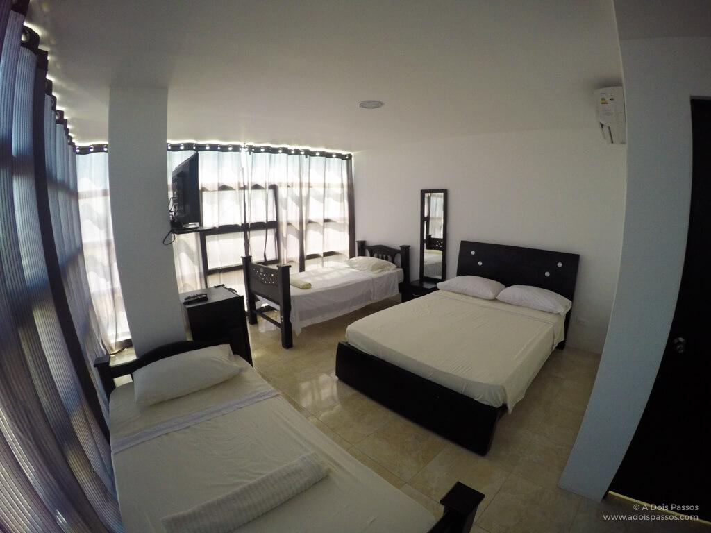 Nosso quarto no Hostal Central Beach era enorme.