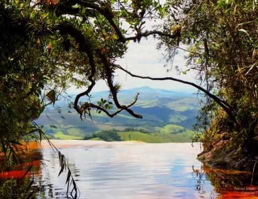 Imagem da Janela do Céu com o mar de montanhas ao fundo.