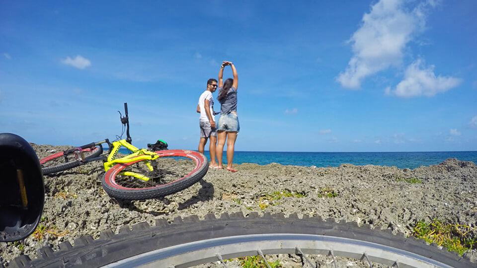 Passeio de bicicleta pela orla de San Andrés