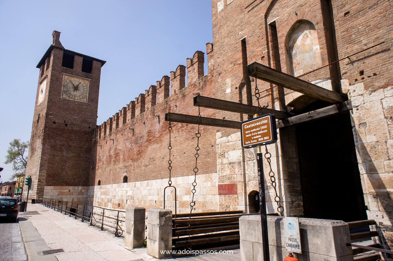 Fachada do Castelvecchio.