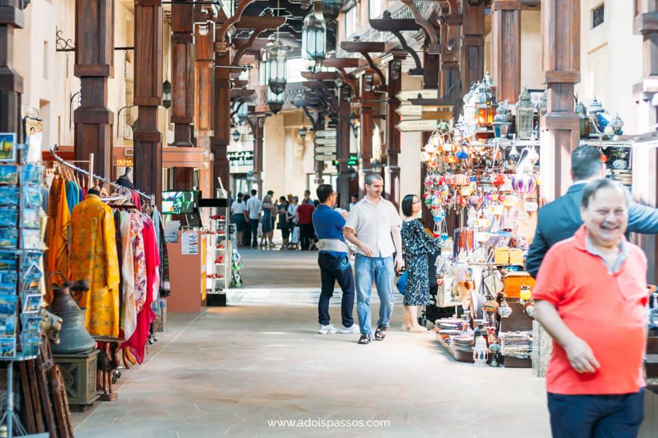 Dubai - Souk Madinat Jumeirah - Corredores e lojas