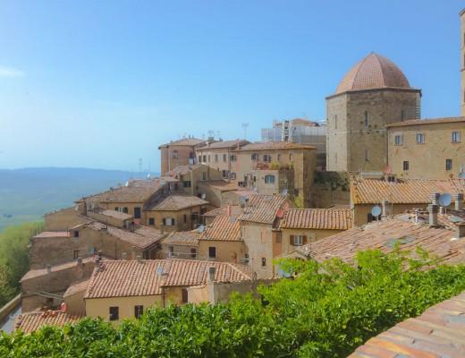 San Gimignano, cidade medieval na Toscana, durante nossa viagem de 21 dias pela Itália na primavera.